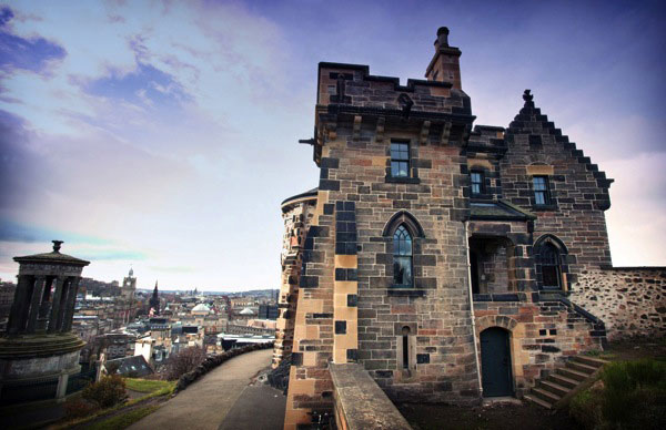 Old observatory house home away from home the for Classic house edinburgh