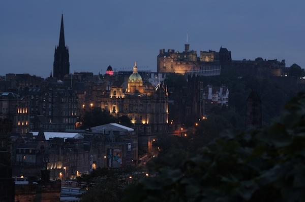 TER Edinburgh Castle at night (1)
