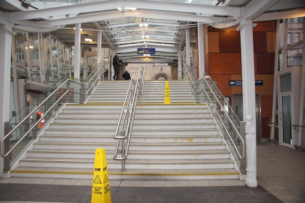 TER Waverley Steps to Market Street