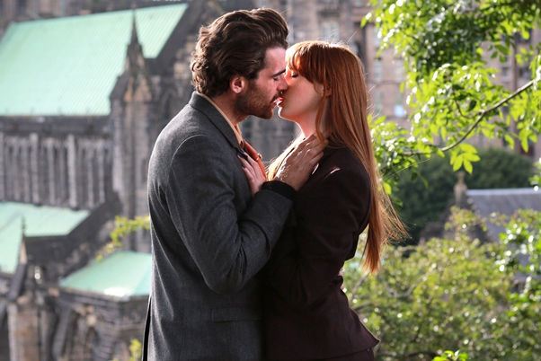 Jane (Karen Gillen) and Tom (Stanley Weber)
