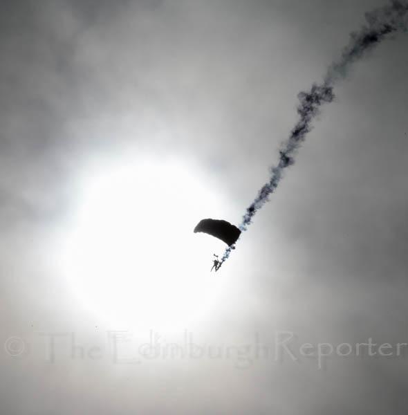 103847-JLP-2014ForthBrFest-SkyDive0044
