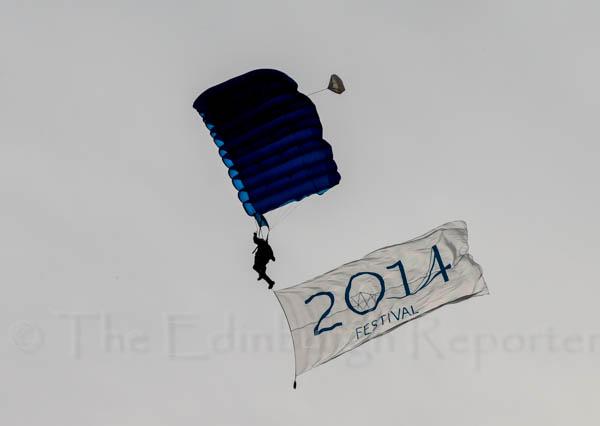 104551-JLP-2014ForthBrFest-SkyDive0144