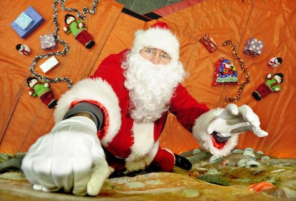 FREE PIC- Santa at Edinburgh Climbing Arena 01