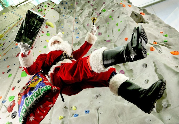 FREE PIC- Santa at Edinburgh Climbing Arena 02