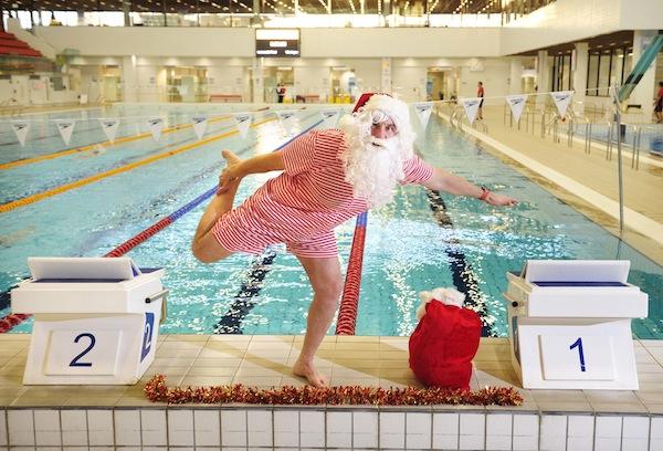 FREE PIC- Santa at Commonwealth Pool Edinburgh 03