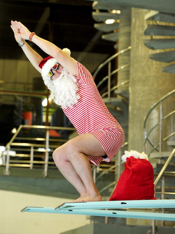 FREE PIC- Santa at Commonwealth Pool, Edinburgh 04