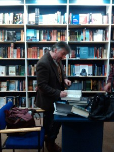John-Connolly-signing