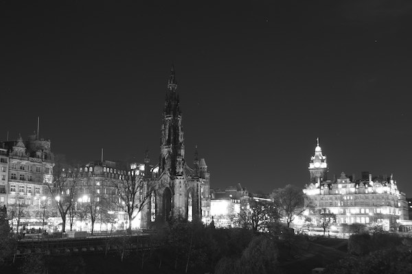 http://www.theedinburghreporter.co.uk/wp-content/uploads/2014/11/2014-Scott-Monument-8.jpg