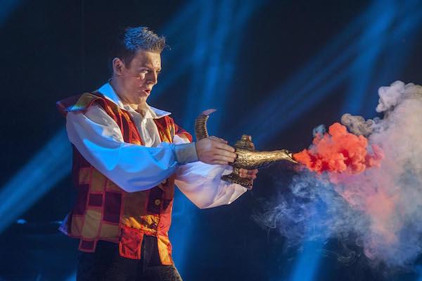 Aladdin (Greg Barrowman) and the lamp