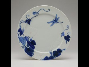Month plate by Seifu Yohei III, with flowers and dragonfly c1890. Image: NMS
