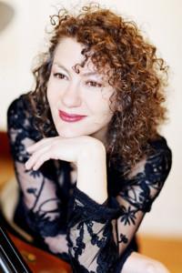 Helena_Buckmayer__pianist_show_info
