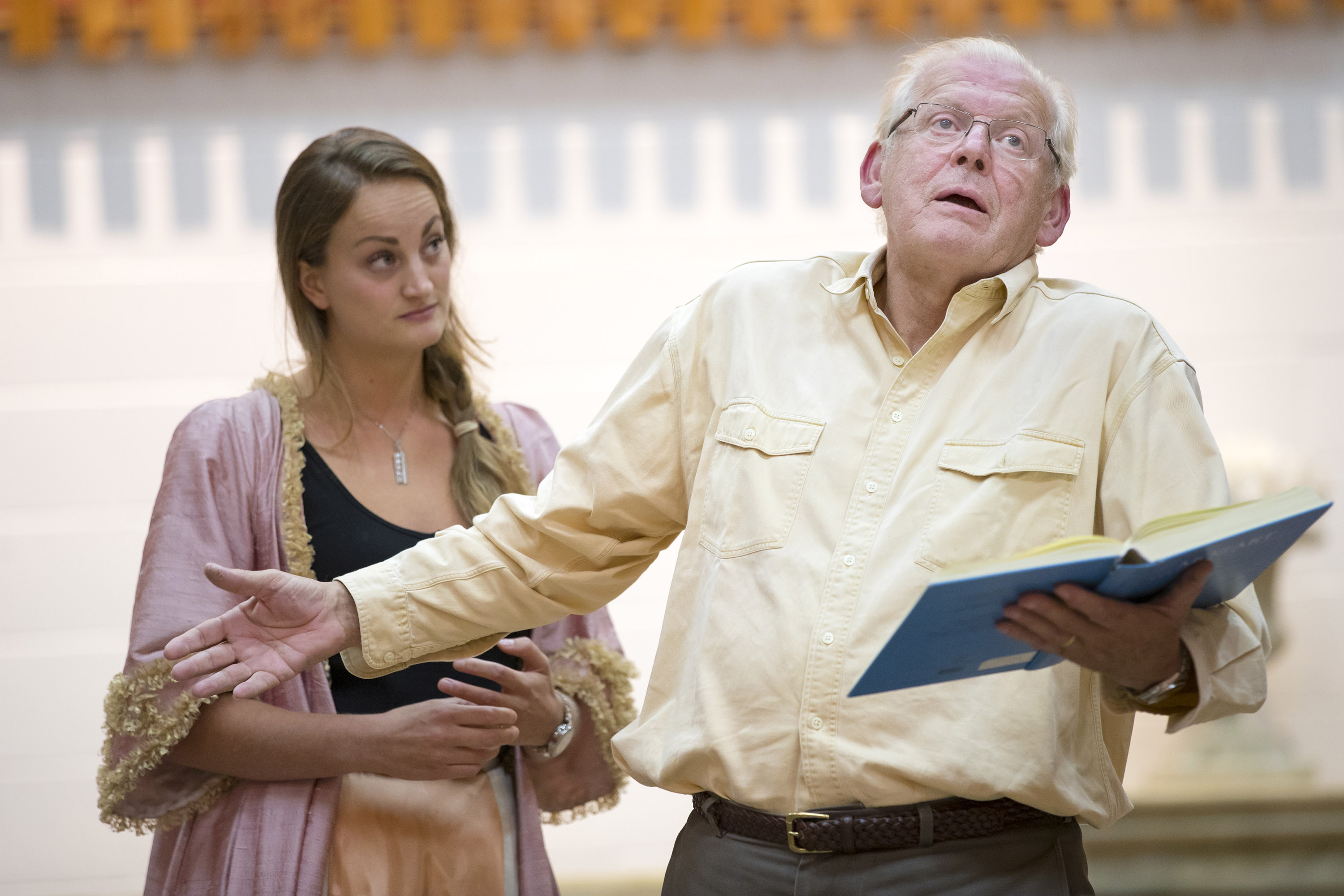 Sir Thomas Allen directs Eleanor Dennis at The Marriage of Figaro rehearsals.