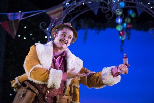 james-cleverton-as-dulcamara-in-the-elixir-of-love-scottish-opera-2016-credit-tim-morozzo-3