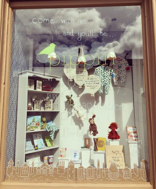194788_Magic of Stories window Pippin