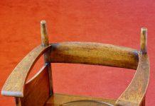 Charles Rennie Mackintosh chair made of oak