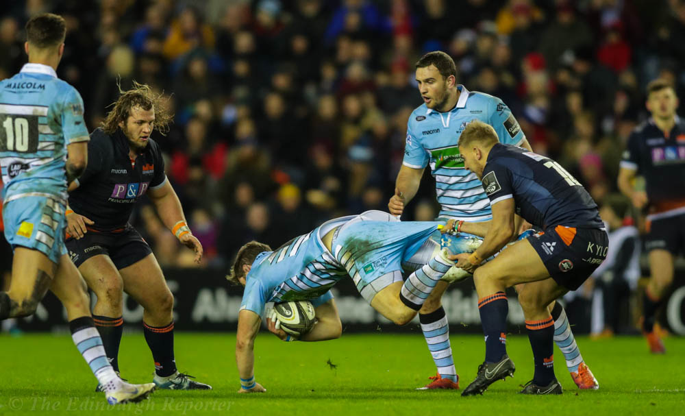 Glasgow's Horne almost losing his shorts
