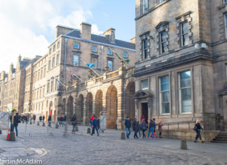 City Chambers looking west up The Royal Mile